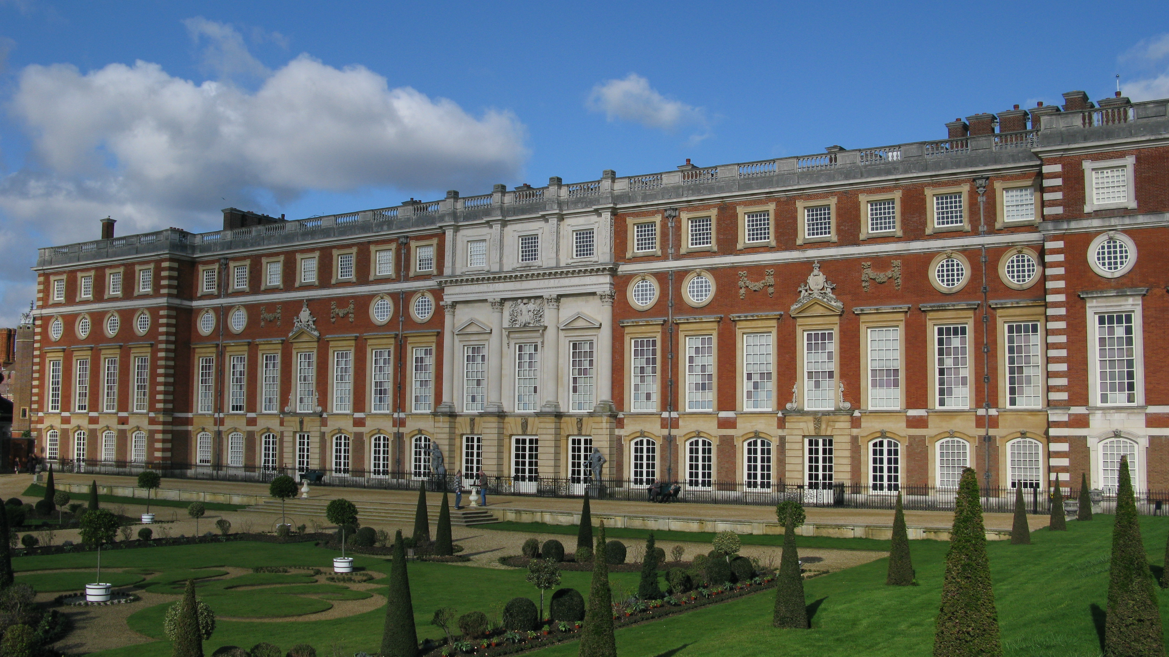 Hampton Court Palace Tour